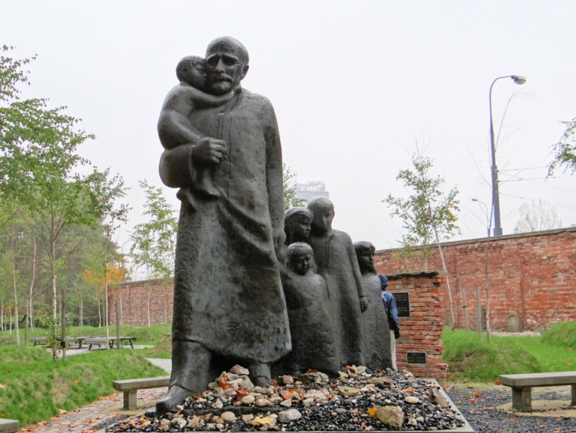 korczak-monumento-1024x768