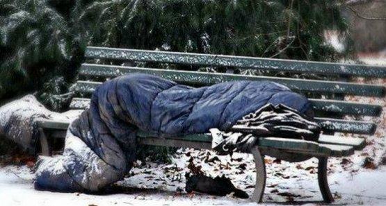 Neve-senza-tetto-panchina-anteprima-600x321-583391.jpg