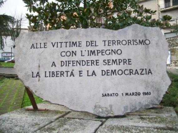 lapide-vittime-terrorismo.jpg
