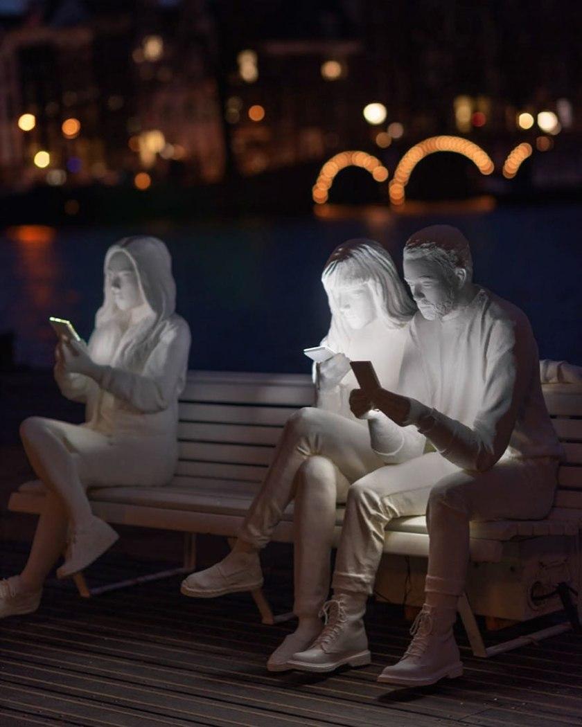 amsterdam-light-festival-scultura-smartphone-lucas-hinz-01.jpg