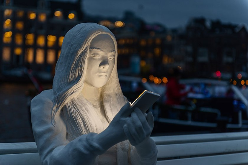 amsterdam-light-festival-scultura-smartphone-lucas-hinz-10.jpg