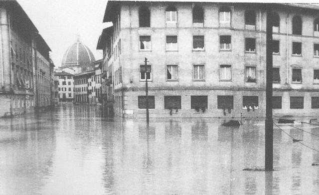 Alluvione_di_Firenze_07.jpg
